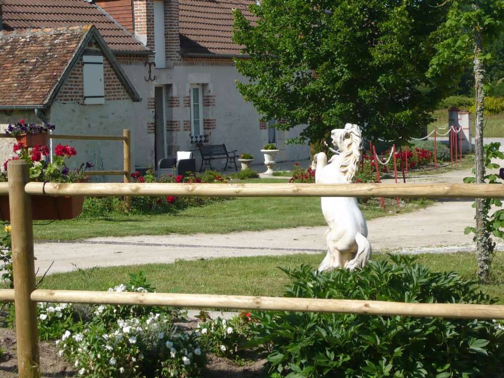 Aire camping-car à Thoury (41220) - Photo 3